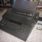 Olivetti ET 231 Büroschreibmaschine mit nachgerüstetem Kassettenlaufwerk