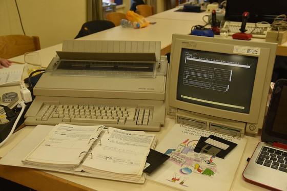 Olivetti ETV 2900 Textverarbeitungssystem und ET 2200 Büroschreibmaschine